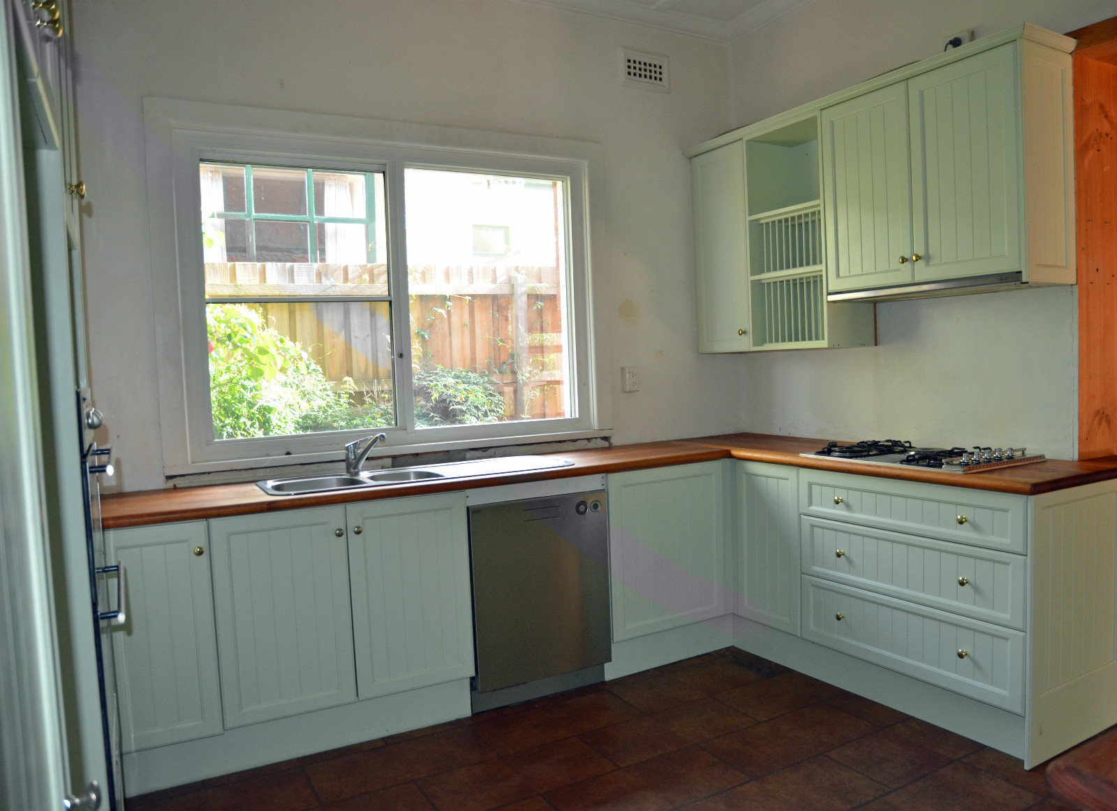 second hand kitchen cabinet